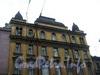 Гороховая ул., д. 73. Бывший доходный дом. Фрагмент фасада здания. Фото май 2004 г.