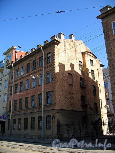Ул. Котовского, д. 1 (правая часть). Общий вид левого корпуса. Фото август 2009 г.