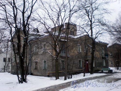 Задворная ул., д. 8. Общий вид здания. Январь 2009 г.