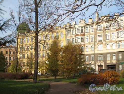 Дома 1/33 и 33 по ул.Блохина. Общий вид. Фото ноябрь 2011 г.