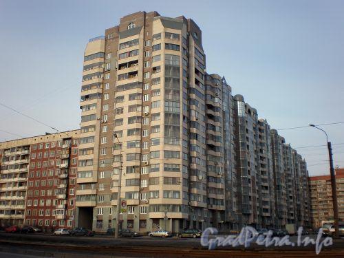 Ул. Веденеева, д. 2. Общий вид здания. Апрель 2009 г.