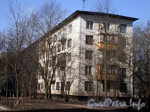 Ул. Дыбенко, д. 23, к. 3. Общий вид жилого дома. Фото апрель 2009 г.