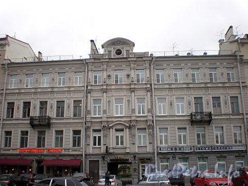Итальянская ул., д. 31. Бывший доходный дом. Фасад здания. Фото октябрь 2009 г.