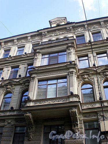 Караванная ул., д. 28. Доходный дом П. И. Лихачева. Эркер. Фото август 2009 г.