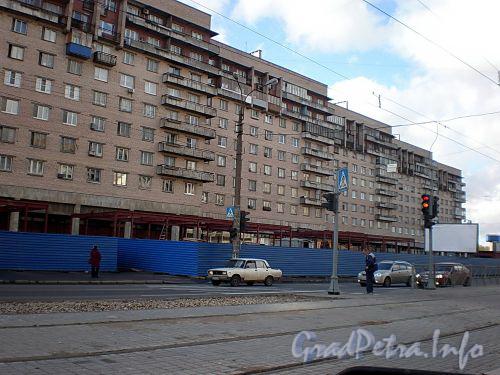 Строительство павильонов у дома 23 по Бухарестской улице. Фото октябрь 2008 г.