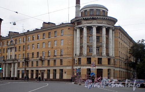 Новгородская ул., д. 5. Общий вид жилого дома. Фото сентябрь 2008 г.