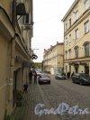 Крепостная ул. (Выборг). Вид улицы от дома 13. фото октябрь 2017 г.