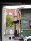 Ул. Димитрова (Выборг), д. 4а. Магазин и сауна. Крыльцр входа. Вид из подворотни д. 3. фото октябрь 2017 г.