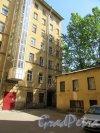Конная ул., д. 10. Доходный дом Л.Г. Куканова, 1901. 2-й двор. Общий вид. фото май 2018 г.