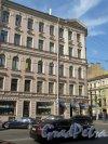 Ул. Жуковского, д. 28. Доходный дом. Угловая часть фасада по ул. Жуковского. фото май 2018 г.