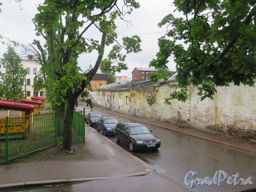 Выборгская ул. (Выборг). Вид улицы с ул. Титова. фото июнь 2017 г.