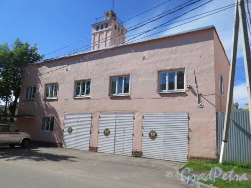 Лен. область, г. Приозерск, ул. Жуковского, д. 6. Пожарная часть, 1930-е. Общий вид здания. фото июль 2017 г.