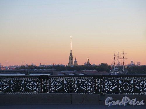 Петропавловская Крепость на закате. Вид с Литейного моста. фото июль 2017 г.