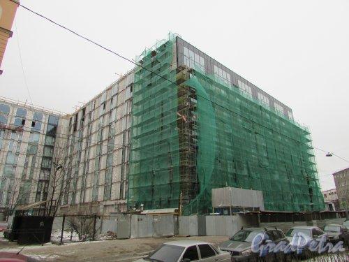 улица Александра Невского, дом 12 / Херсонская улица, дом 43, строение 1. Общий вид строительства здания апарт-отеля «Prime Residence» на последних этапах. Фото 2 марта 2019 года.