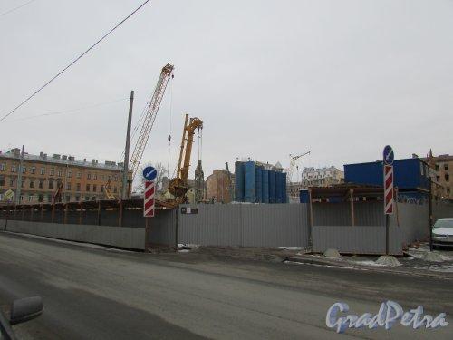 Тележная улица, дом 17-19. Общий вид строительной площадки от угла Миргородской улицы и Кременчугской улицы. Фото 2 марта 2019 года.