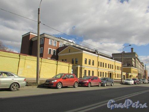 Введенский канал, дом 4, литера А. Общий вид комплекса зданий после реконструкции под БЦ «RENAISSANCE FONTANKA». Фото 7 апреля 2019 года.