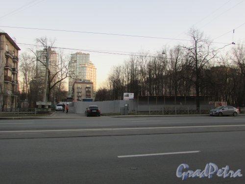 Благодатная улица, дом 57, литера А. Общий вид участка до строительства жилого дома. Фото 16 апреля 2019 г.