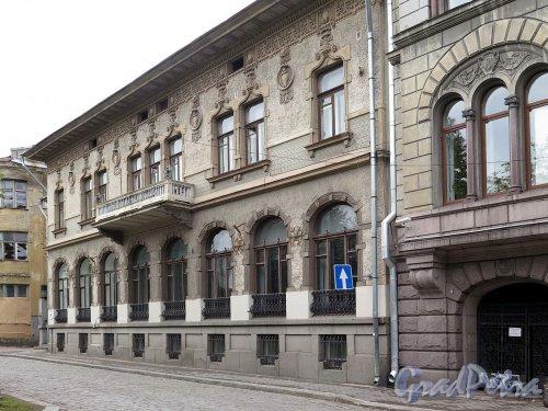 Пионерская ул. (Выборг), д. 2. Союзный Финляндский банк.Общий вид. фото октябрь 2017 г.