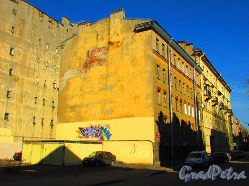 Малая Разночинная улица, дом 3, литера А. Общий вид здания. Фото 1 мая 2016 года.