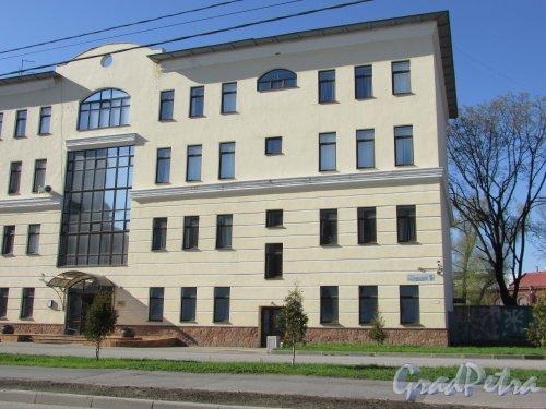 улица Одоевского, дом 5, литера А. Правая часть фасада с номером здания. Фото 1 мая 2016 года.