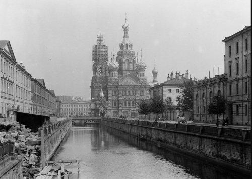 Территория со стороны канала Грибоедова до строительства корпуса Бенуа. Фото 1911 года.