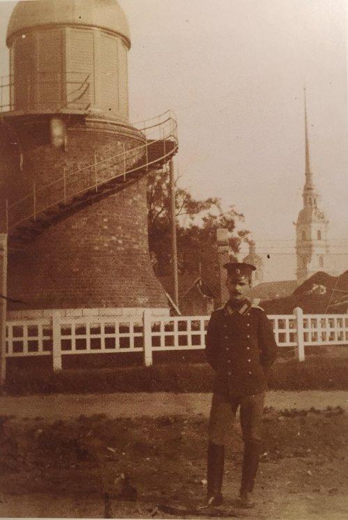 Александровский парк, дом 4. «Обсерватория в саду Народного дома». Фото начала XIX века.
