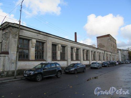 Советская ул. (Выборг), д. 2. Производственный корпус бывш. Трамвайного депо. Общий вид. фото октябрь 2017 г.