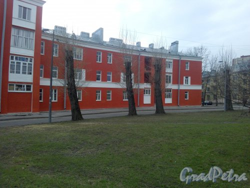 Улица Бабушкина, дом 23. Дом после ремонта фасада, фото 25.04.2019 года.