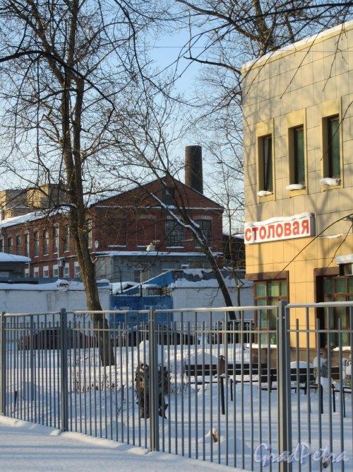Заставская ул., д. 11, кор. 2. Магазин «Керамистам.ру». Выставочная площадка перед зданием и Цветочная ул. фото февраль 2018 г.