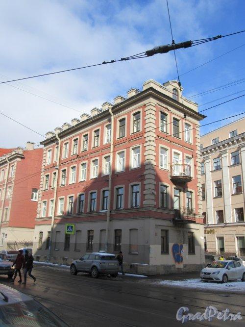 Котовского ул., д. 1. Жилой дом (правый корпус). Общий вид здания со стороны бокового фасада. фото март 2018 г.