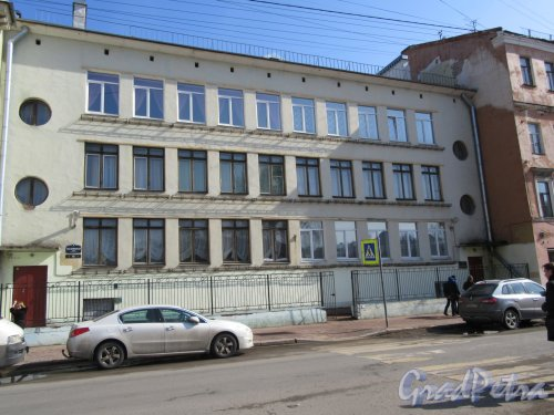 Гагаринская ул., д. 18. Детский сад N 56 Центрального района. Общий вид фасада. фото апрель 2018 г.