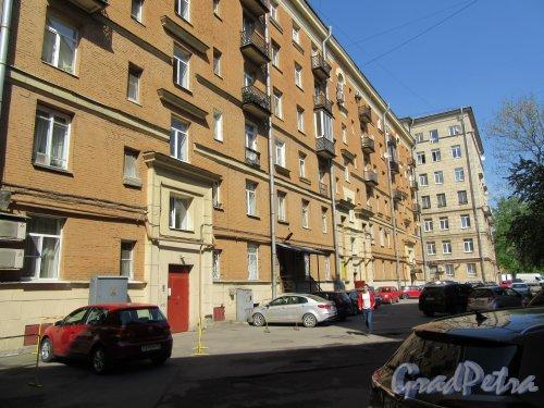 Московский проспект, дом 192-194 (дом 194). Фасада жилого дома со стороны двора. фото май 2018 г.