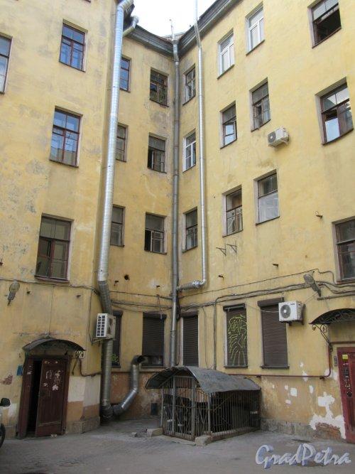 Ул. Жуковского, д. 17. Доходный дом, Дворовый фасад лицевого корпуса. фото май 2018 г.