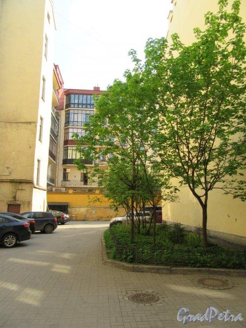 Жуковского ул., д. 49. Доходный дом. 2-й Двор. Общий вид. фото май 2018 г.