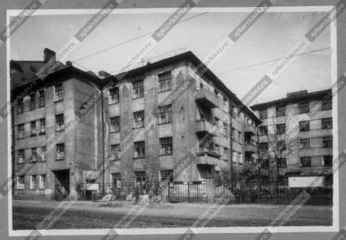 Фасад дома №8-10 на улице Моисеенко. Дата съёмки: 1960 г. Автор съёмки: не установлен.