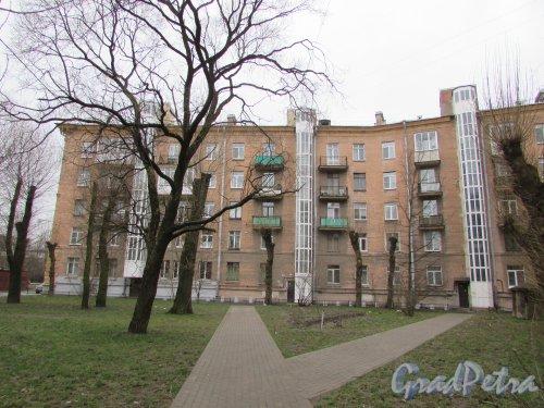 улица Седова, дом 19, литера А. Вид корпуса по улице Невзоровой со стороны двора. Фото 16 февраля 2020 г.