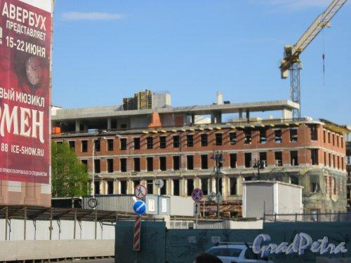 ул. Глинки, 4 (Театральная пл., дом 14). Вид с Театральной пл. на строящееся здание. Фото 13 мая 2019 г.