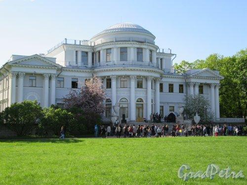 Елагин остров (улица), д. 4, лит. А. Елагиноостровский дворец. Задний фасад главного здания. фото май 2018 г