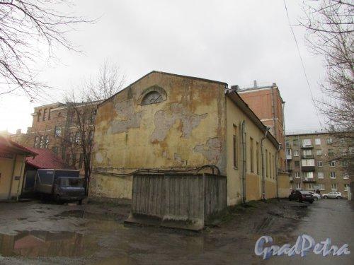 Тамбовская улица, дом 80, литера А. Дворовый одноэтажный корпус. Фото 17 февраля 2020 г.