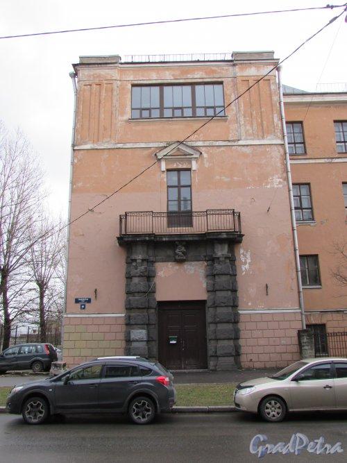 Тамбовская улица, дом 80, литера А. Левая часть здания Училища при Николаевском доме призрения престарелых и увечных граждан. Фото 17 февраля 2020 г.