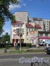 г. Волхов, Советская ул., д. 18а. Жилой многоэтажный дом с торговыми помещениями. фото май 2018 г.