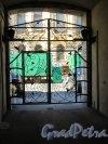 Ул. Чайковского, д. 41. Дом А.Д. Крупенского. Въездные ворота (контражур). фото июнь 2018 г.