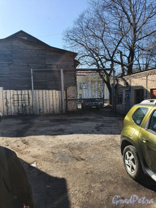 Лен. обл., г. Гатчина, ул. Чкалова, дом 73. Общий вид территории типографии Латона. Фото марта 2020 г.