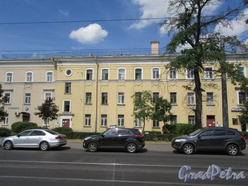 Ул. Комсомола, д. 23-25. Стоматологическая клиника, 1950-е. Общий вид здания. фото июнь 2018 г.