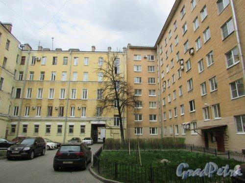 Тверская улица, дом 15, литера А. Корпус, примыкающий к дому №2 по Одесской улице. Вид со стороны Очаковской улицы. Фото 7 мая 2020 г.