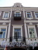 Фурштатская ул., д. 3. Фрагмент фасада с балконами. Фото май 2010 г.