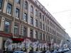 Фурштатская ул., д. 27 / пр. Чернышевского, д. 17. Фрагмент фасада по улице. Фото май 2010 г.