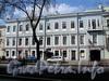 Фурштатская ул., д. 32. Фасад здания. Фото май 2010 г.