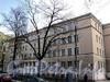 Фурштатская ул., д. 29 А. Здание школы №197. Общий вид здания. Фото май 2010 г.