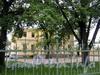 Потемкинская ул., д. 2. Центральный флигель. Фото май 2010 г.